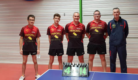 Équipe 3 AGR avec Laurent, Louis, Christophe et Olivier R. accompagnés du capitaine Olivier H.